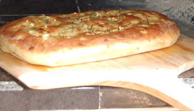 Garlic Bread in Wood Fired Oven Roam'in Pizza