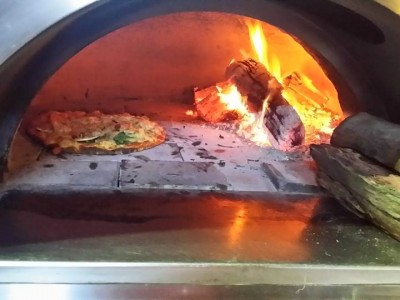 wood fired oven Roam'in Pizza Brisbane